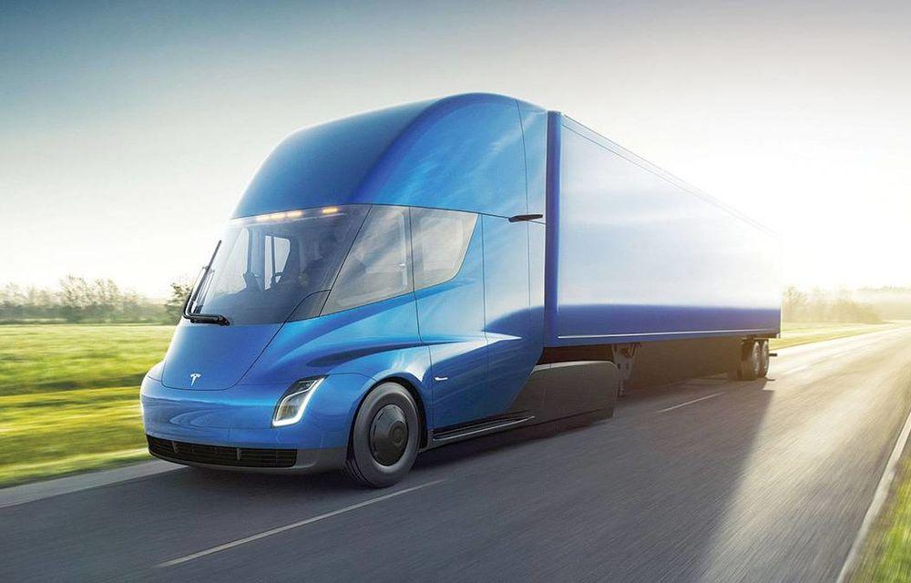Elon Musk anunță informații despre viitorul camion electric: Tesla Semi va avea o baterie cu capacitatea de 500 kWh - Poza 1