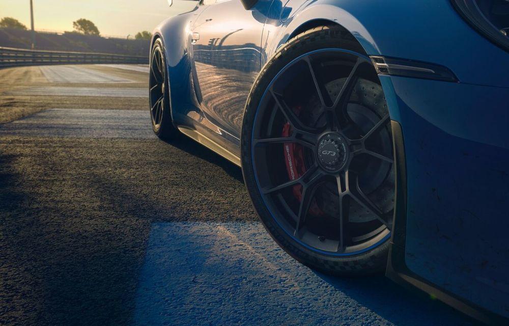 Noul Porsche 911 GT3 este aici: motor de 510 cai putere și apetit pentru circuit - Poza 9