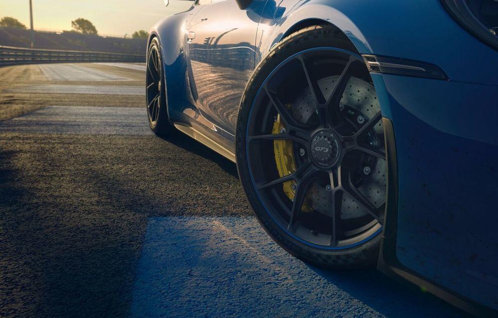 Noul Porsche 911 GT3 este aici: motor de 510 cai putere și apetit pentru circuit - Poza 8