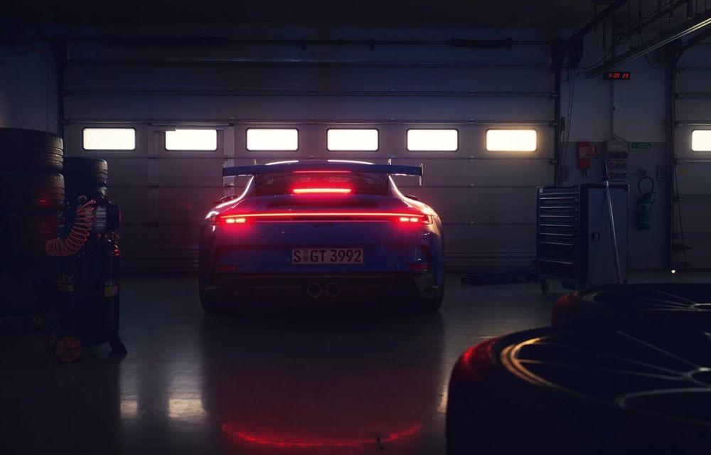 Noul Porsche 911 GT3 este aici: motor de 510 cai putere și apetit pentru circuit - Poza 23