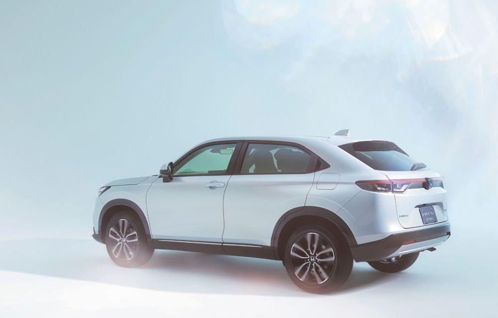 Noua generație Honda HR-V: micul SUV este disponibil doar cu un motor hibrid - Poza 7