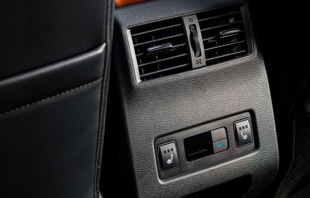 Mitsubishi a lansat noul Outlander în SUA: design exterior modern și configurație cu 7 locuri - Poza 21
