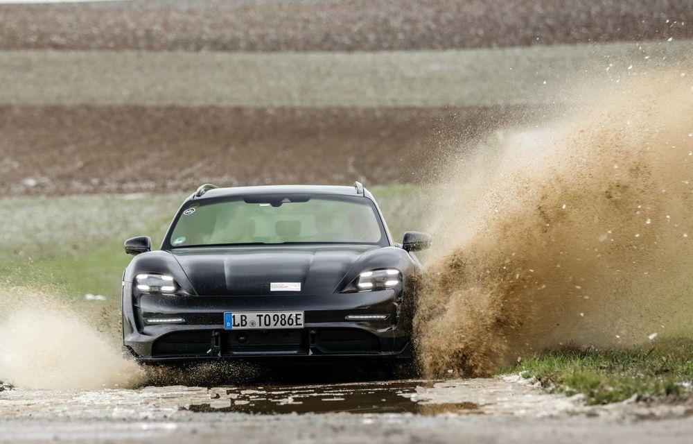 Teaser nou pentru Porsche Taycan Cross Turismo: va avea mod de rulare special pentru off-road - Poza 1