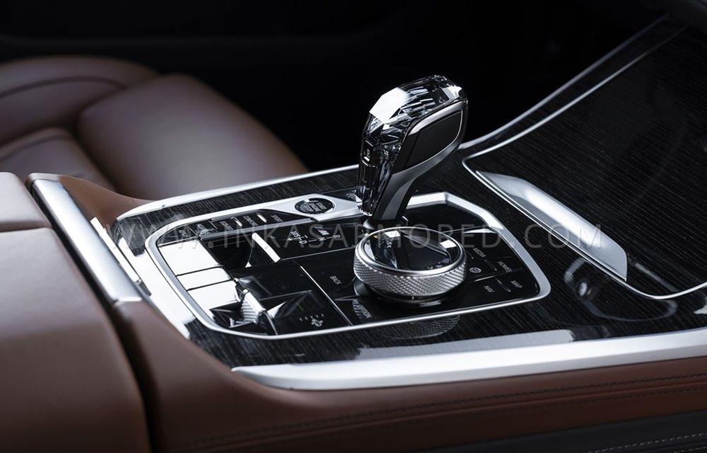 El este primul BMW X7 blindat din lume. Rezistă chiar și la explozia a două grenade detonate simultan - Poza 18