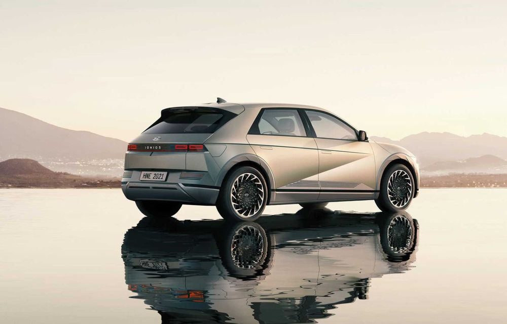 Hyundai a lansat noul Ioniq 5: SUV compact cu până la 306 CP și autonomie de 480 kilometri - Poza 13