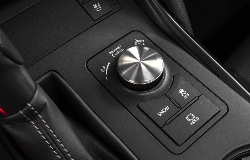 Lexus prezintă noul IS 500 F Sport Performance: V8 de 5.0 litri și 479 de cai putere - Poza 16
