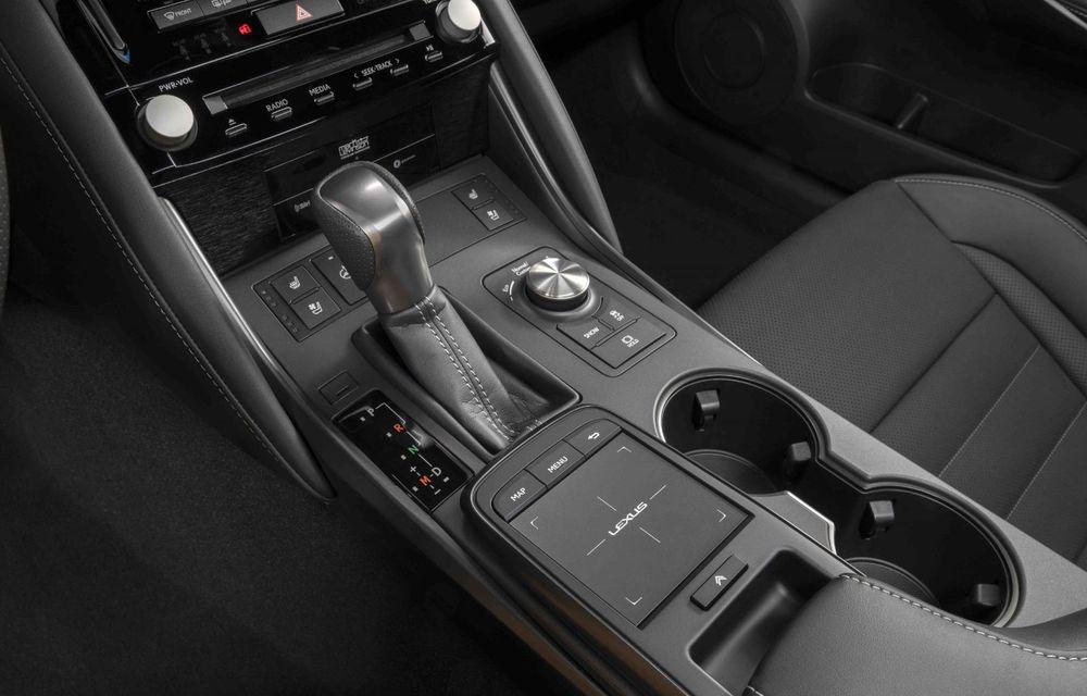 Lexus prezintă noul IS 500 F Sport Performance: V8 de 5.0 litri și 479 de cai putere - Poza 15