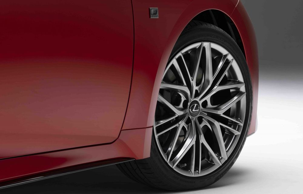 Lexus prezintă noul IS 500 F Sport Performance: V8 de 5.0 litri și 479 de cai putere - Poza 12