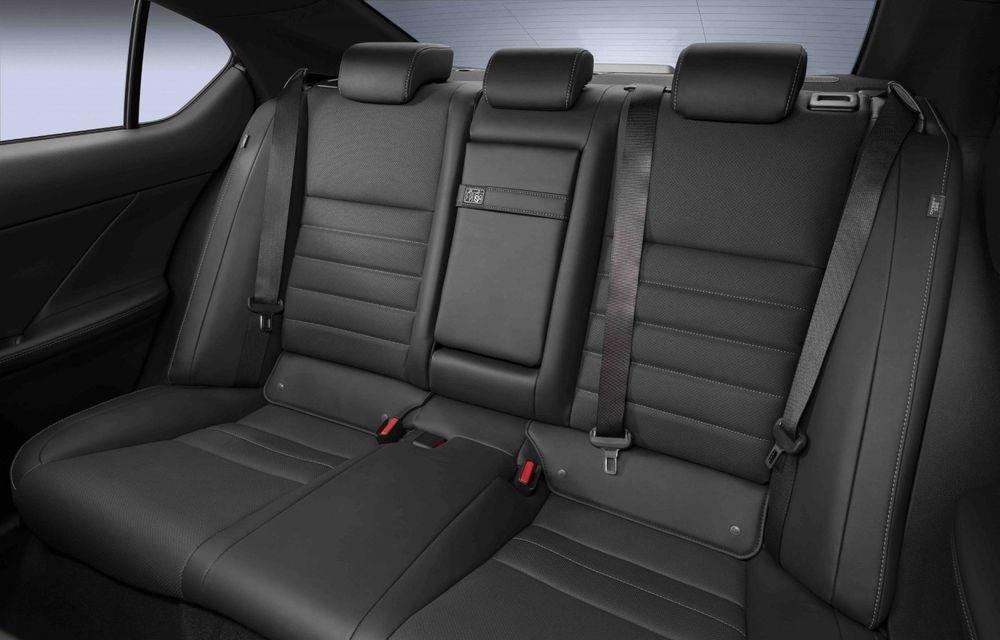 Lexus prezintă noul IS 500 F Sport Performance: V8 de 5.0 litri și 479 de cai putere - Poza 20