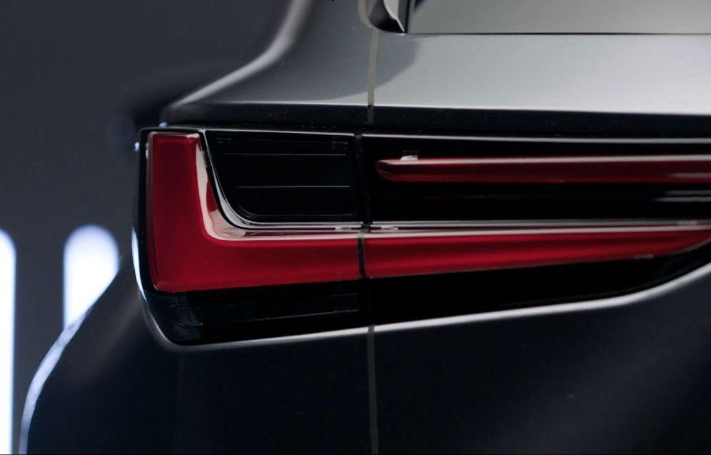 Primele imagini neoficiale cu viitorul Lexus NX - Poza 3