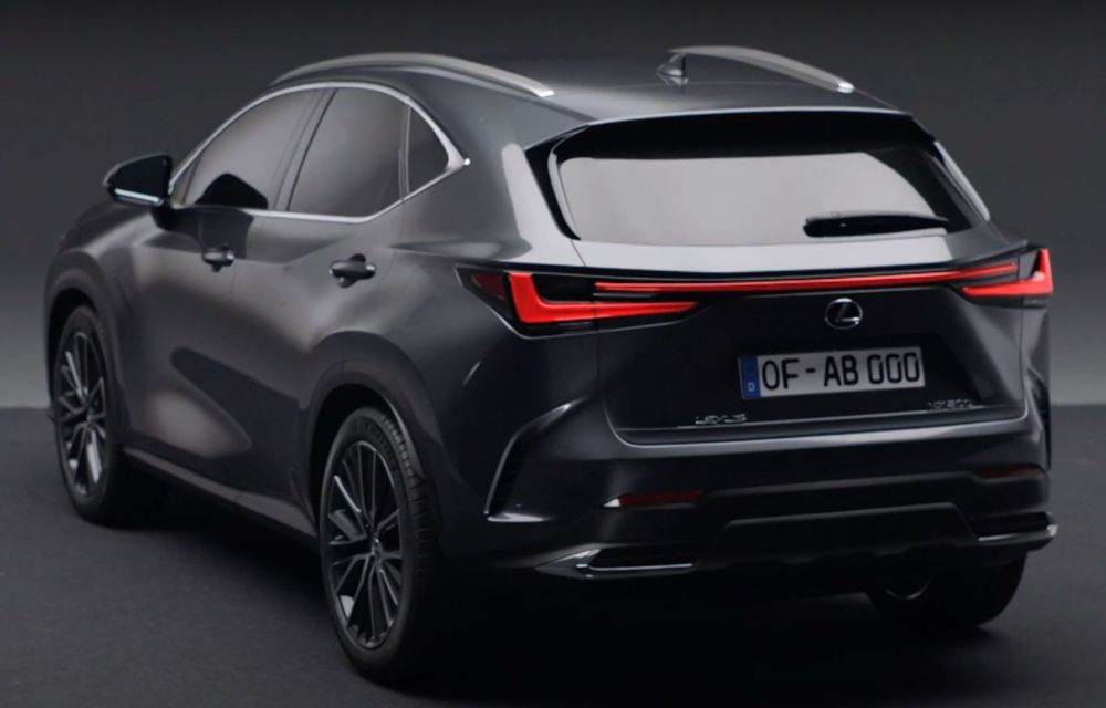 Primele imagini neoficiale cu viitorul Lexus NX - Poza 2