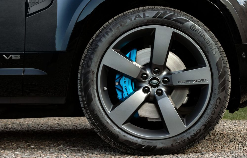 Land Rover Defender a primit un motor V8 supraalimentat. Unitatea dezvoltă 525 de cai putere - Poza 40