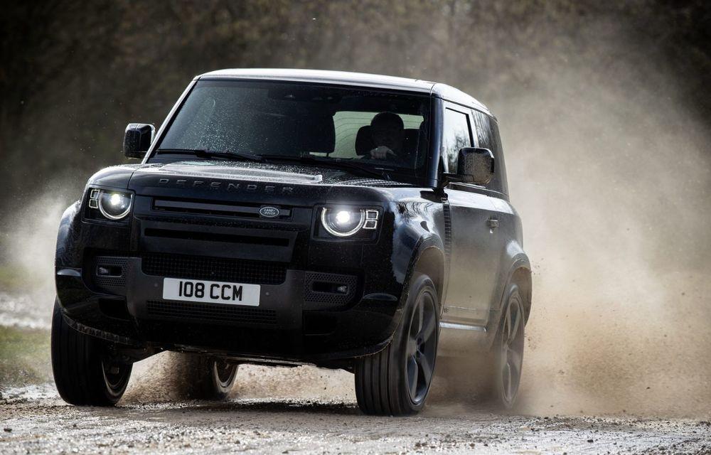 Land Rover Defender a primit un motor V8 supraalimentat. Unitatea dezvoltă 525 de cai putere - Poza 25