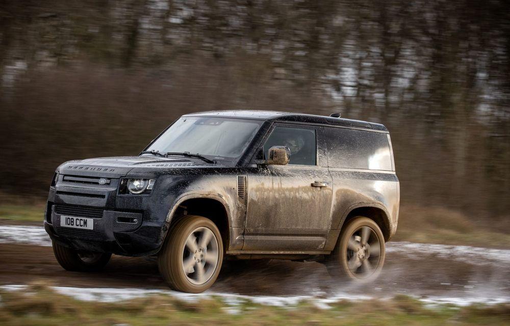 Land Rover Defender a primit un motor V8 supraalimentat. Unitatea dezvoltă 525 de cai putere - Poza 29