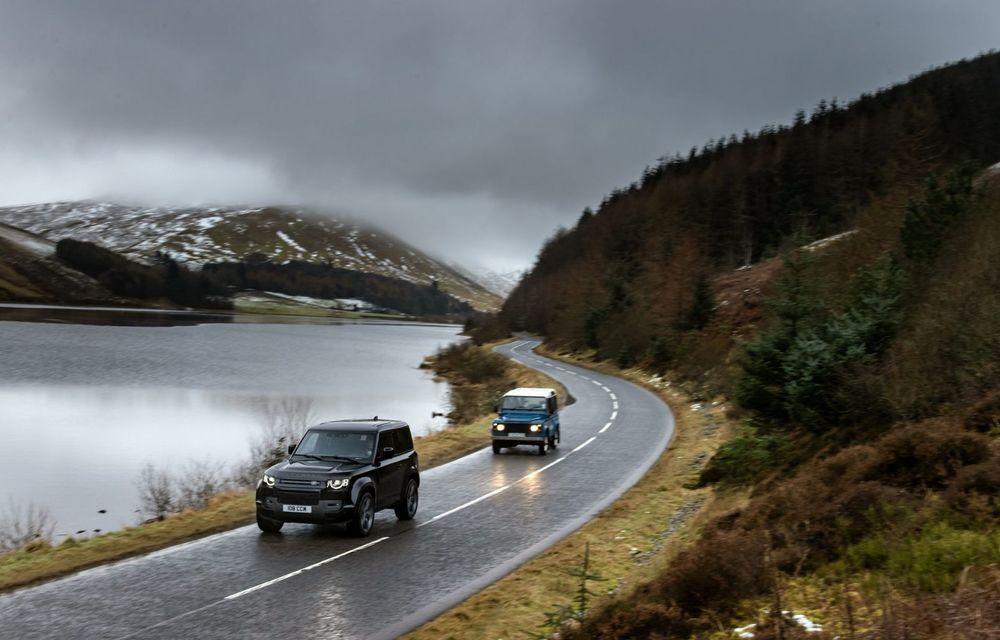 Land Rover Defender a primit un motor V8 supraalimentat. Unitatea dezvoltă 525 de cai putere - Poza 9