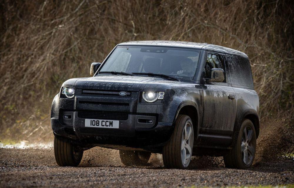 Land Rover Defender a primit un motor V8 supraalimentat. Unitatea dezvoltă 525 de cai putere - Poza 28