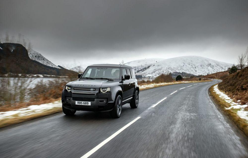 Land Rover Defender a primit un motor V8 supraalimentat. Unitatea dezvoltă 525 de cai putere - Poza 15