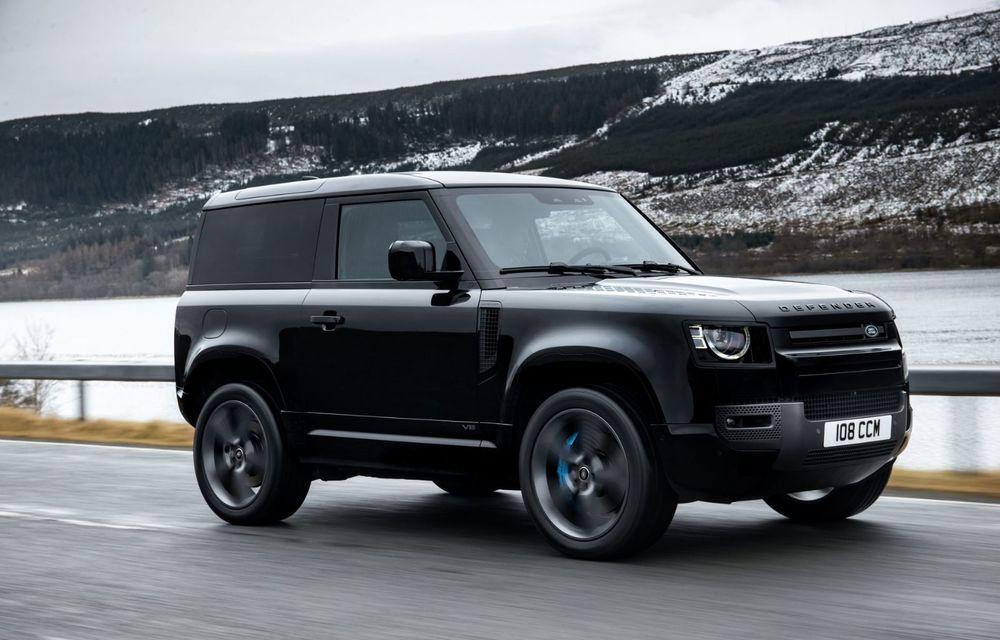 Land Rover Defender a primit un motor V8 supraalimentat. Unitatea dezvoltă 525 de cai putere - Poza 26