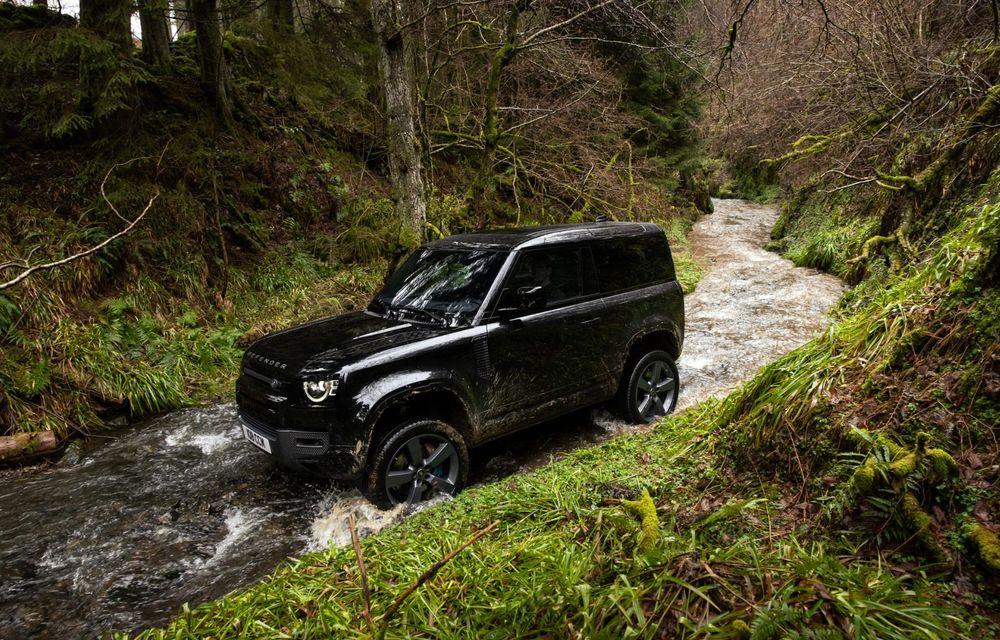 Land Rover Defender a primit un motor V8 supraalimentat. Unitatea dezvoltă 525 de cai putere - Poza 33