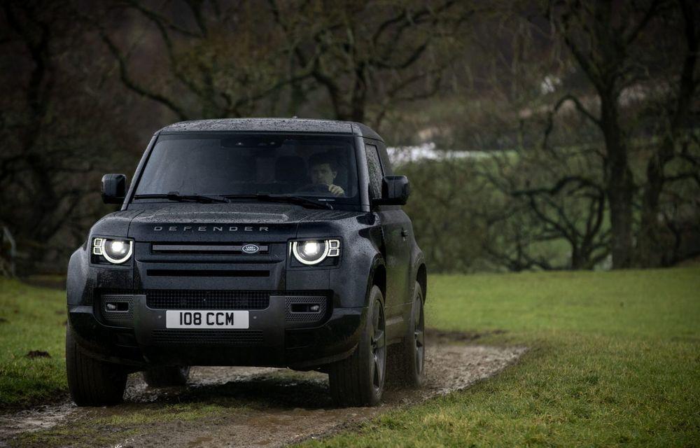 Land Rover Defender a primit un motor V8 supraalimentat. Unitatea dezvoltă 525 de cai putere - Poza 34