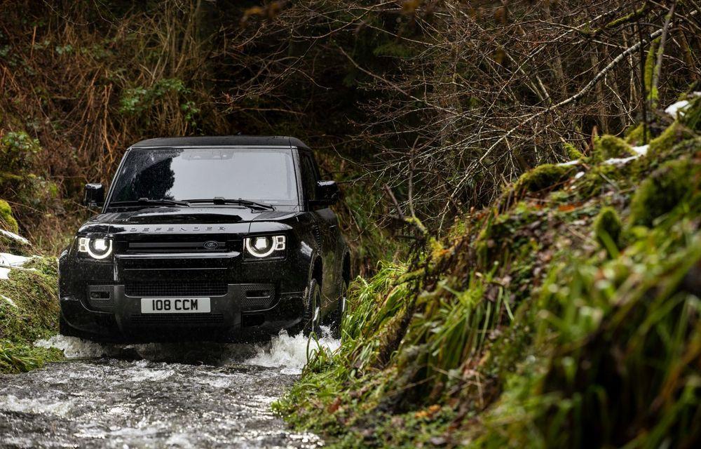 Land Rover Defender a primit un motor V8 supraalimentat. Unitatea dezvoltă 525 de cai putere - Poza 24