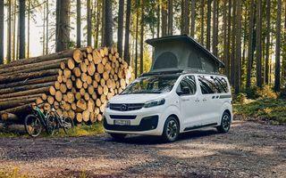 Noul Opel Zafira Life Crosscamp este o autorulotă: are chicinetă la bord și trei paturi