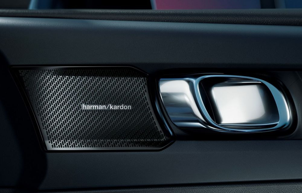Noul Volvo C40 Recharge: SUV coupe 100% electric cu autonomie de 420 de kilometri - Poza 32