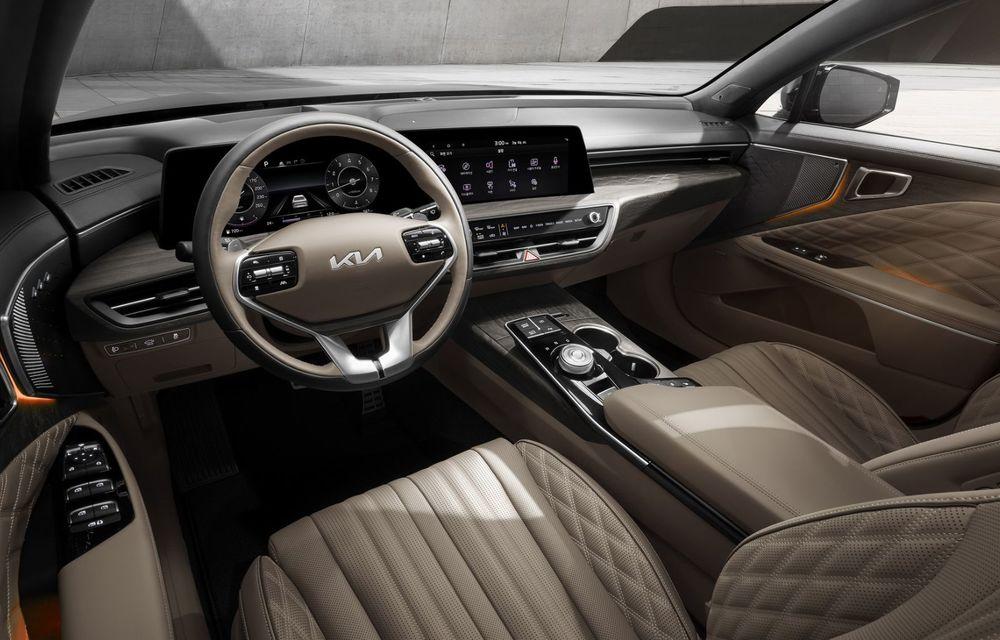 Primele imagini cu interiorul celui mai luxos Kia: modelul K8 este un sedan de care nu se vor bucura și europenii - Poza 1