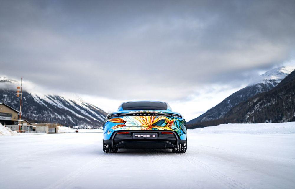 După BMW, și Porsche dă naștere unui Art Car: acest Taycan 4S unic va fi scos la licitație - Poza 7
