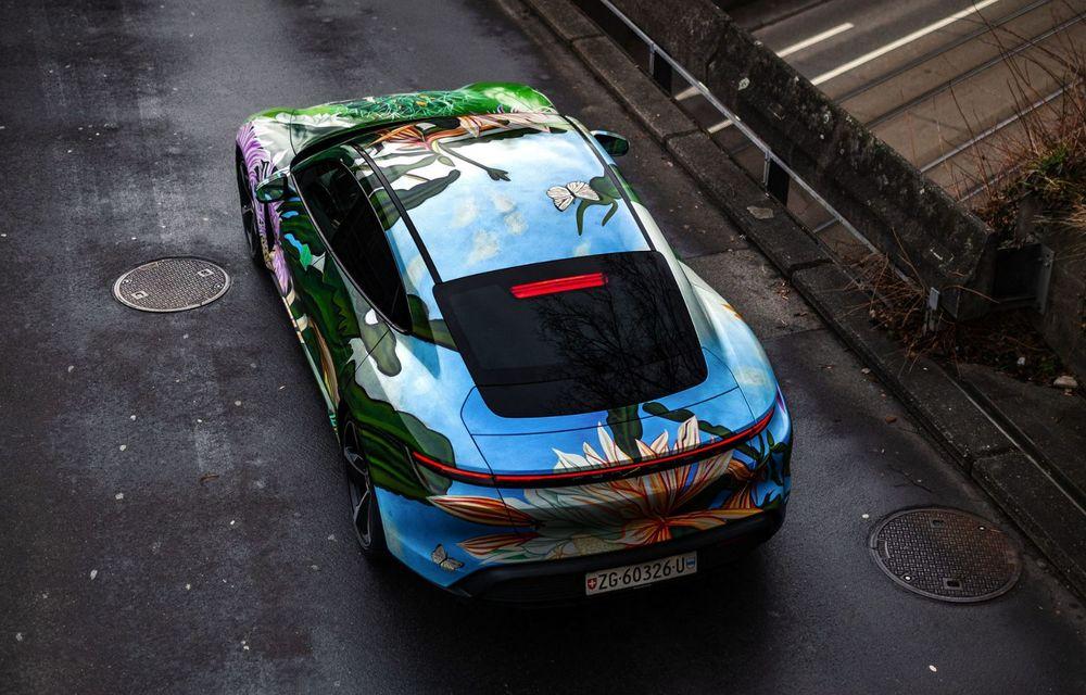După BMW, și Porsche dă naștere unui Art Car: acest Taycan 4S unic va fi scos la licitație - Poza 11