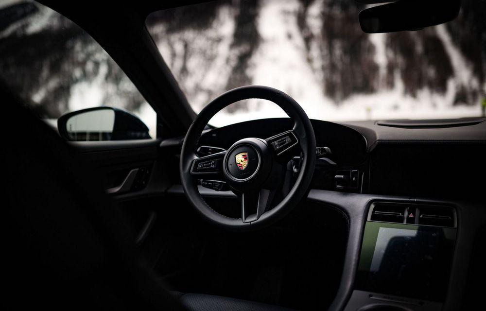 După BMW, și Porsche dă naștere unui Art Car: acest Taycan 4S unic va fi scos la licitație - Poza 14