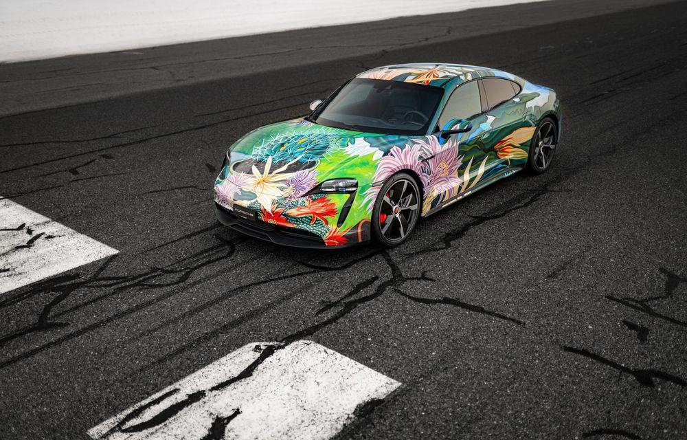 După BMW, și Porsche dă naștere unui Art Car: acest Taycan 4S unic va fi scos la licitație - Poza 4