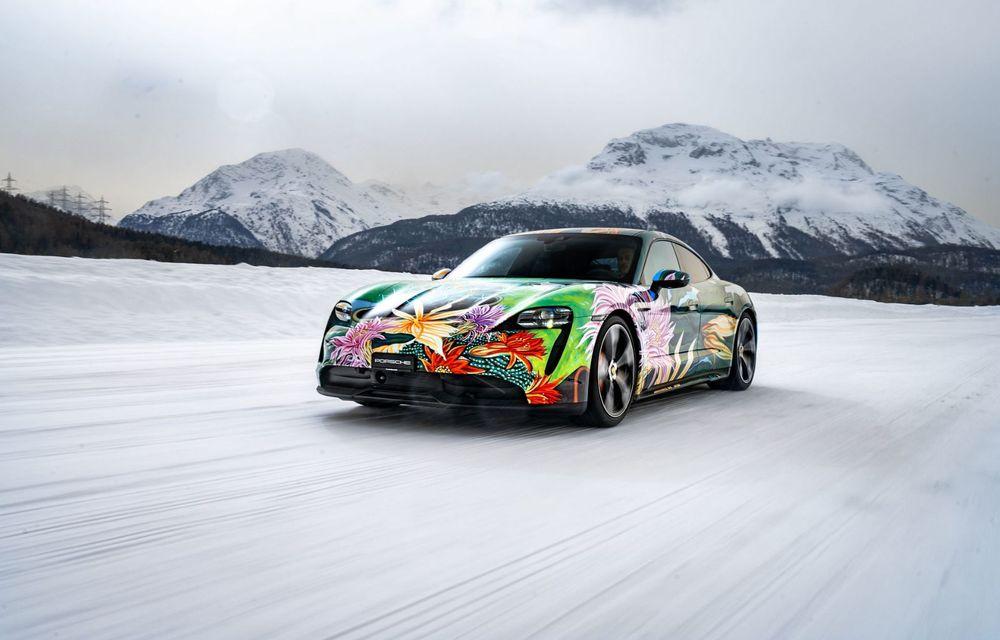 După BMW, și Porsche dă naștere unui Art Car: acest Taycan 4S unic va fi scos la licitație - Poza 8