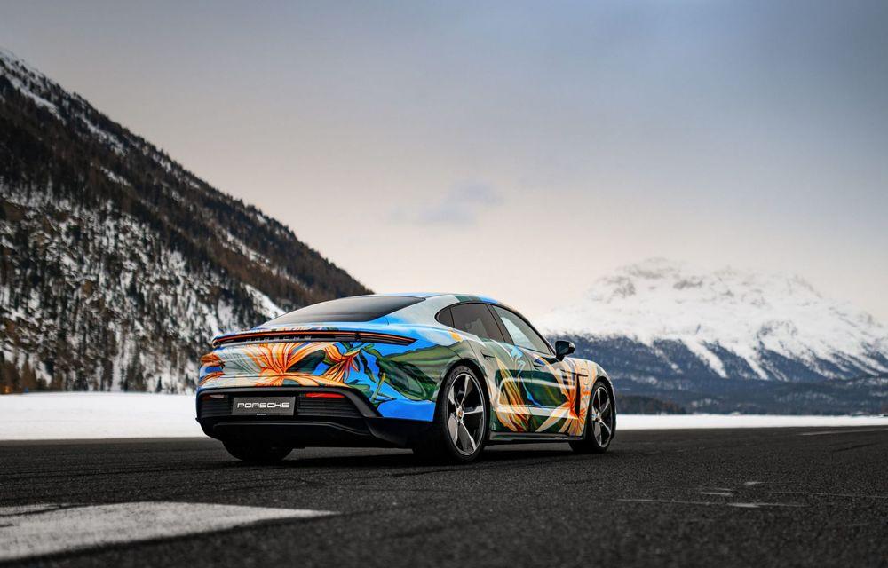 După BMW, și Porsche dă naștere unui Art Car: acest Taycan 4S unic va fi scos la licitație - Poza 2