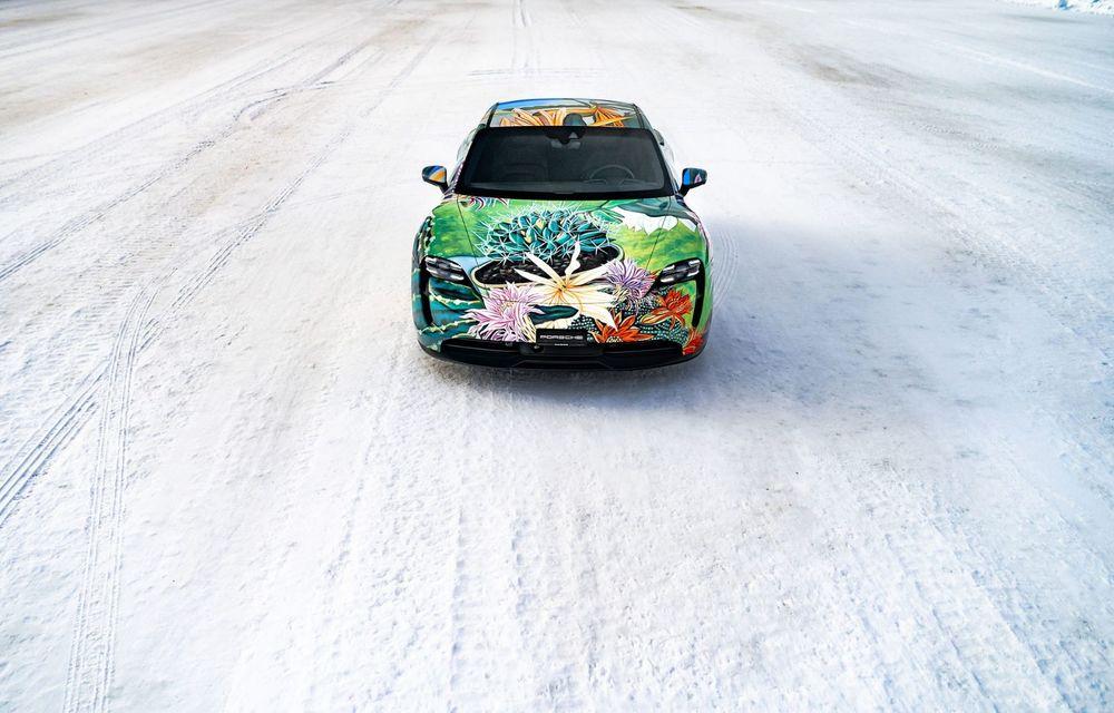 După BMW, și Porsche dă naștere unui Art Car: acest Taycan 4S unic va fi scos la licitație - Poza 5