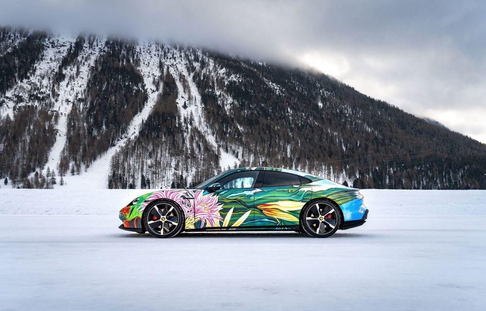 După BMW, și Porsche dă naștere unui Art Car: acest Taycan 4S unic va fi scos la licitație - Poza 3