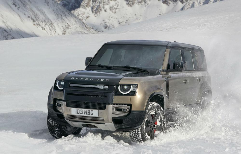 Land Rover Defender va primi versiune cu 7 locuri: vânzările lui Defender 130 vor începe în 2022 - Poza 1