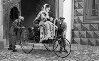 8 MARTIE: Femeile care au scris istoria automobilului