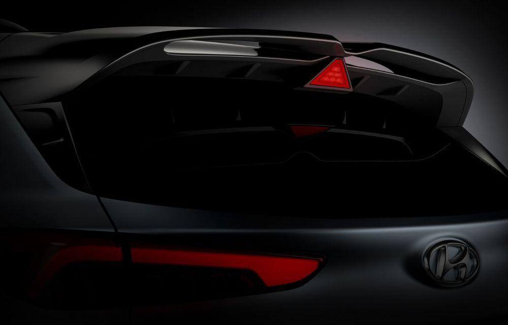 Primele imagini-teaser cu noul Hyundai Kona N: SUV-ul de performanță va avea motor de 2 litri și transmisie automată - Poza 3
