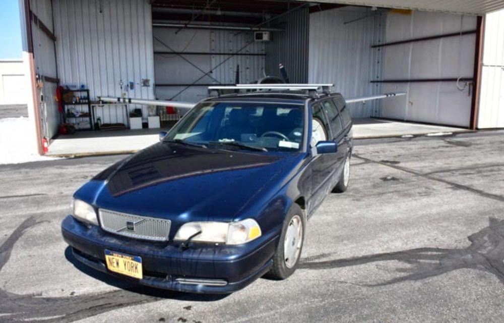 Un bătrân Volvo V70 se vinde pentru 20 de milioane de dolari, datorită plăcuței de înmatriculare - Poza 3