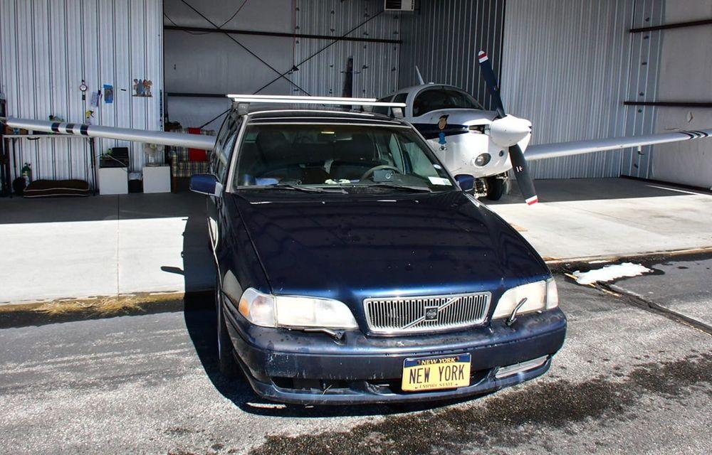 Un bătrân Volvo V70 se vinde pentru 20 de milioane de dolari, datorită plăcuței de înmatriculare - Poza 1