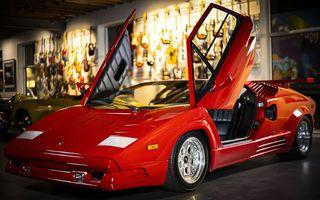 Un Lamborghini Countach 25th Anniversary, cu numai 1000 de kilometri la bord, a fost scos la vânzare