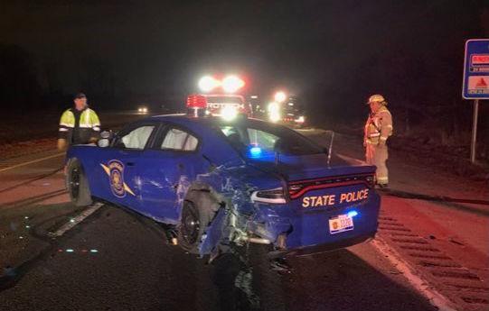 Accident neobișnuit în SUA: un Tesla Model Y a lovit o mașină de poliție în timp ce rula semi-autonom - Poza 2