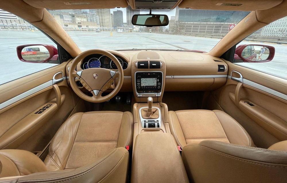 Un Porsche Cayenne din 2009 a devenit o mașină rară mulțumită cutiei manuale - Poza 3