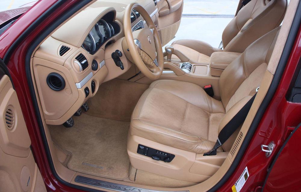 Un Porsche Cayenne din 2009 a devenit o mașină rară mulțumită cutiei manuale - Poza 4
