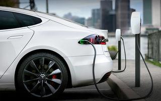 Armata chineză interzice mașinile Tesla în bazele militare și în alte zone strategice