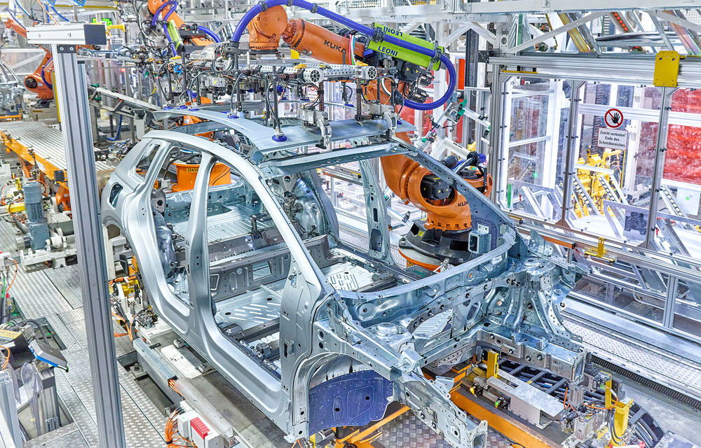Audi a început producția SUV-ului electric Q4 e-Tron - Poza 1