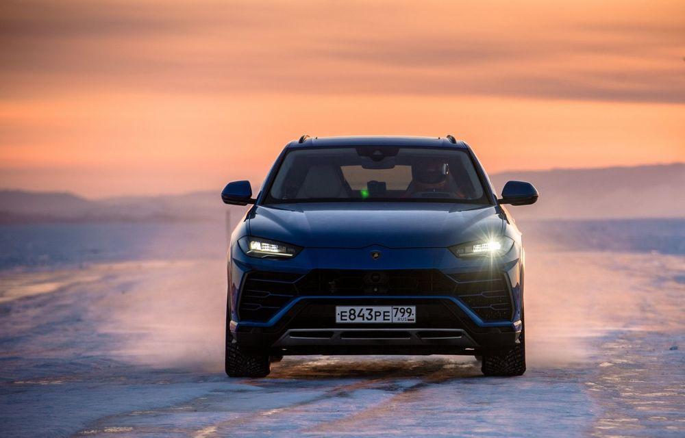 Lamborghini Urus stabilește un record mondial de viteză pe gheață: SUV-ul a atins 298 km/h - Poza 6