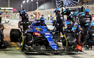 Alonso a abandonat în prima cursă de Formula 1 din 2021 din cauza unei hârtii de împachetat mâncarea