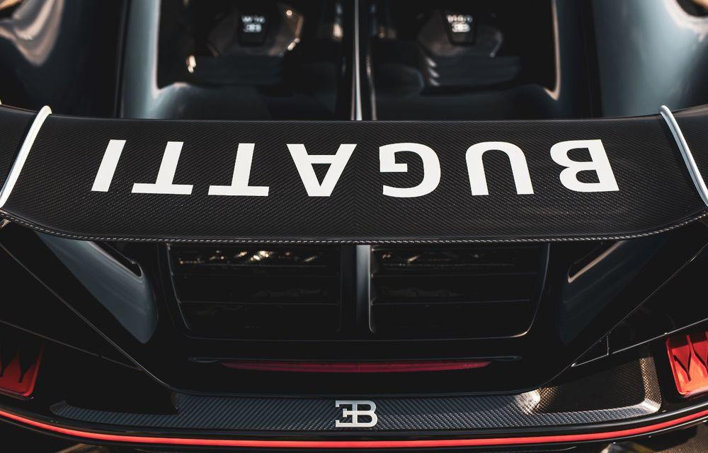Bugatti a asamblat exemplarul Chiron cu numărul 300. Mașina aniversară este un Chiron Pur Sport - Poza 10